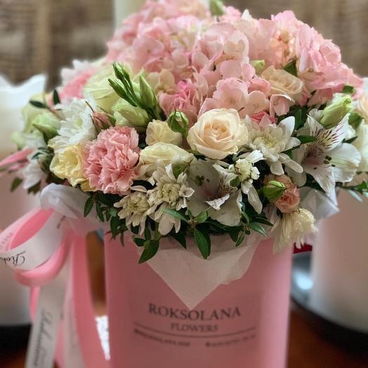 Цветы в коробке «Грация»
