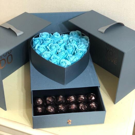Голубые мыльные розы в коробке футляре