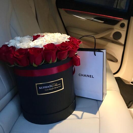 Чёрная коробка на 35 роз