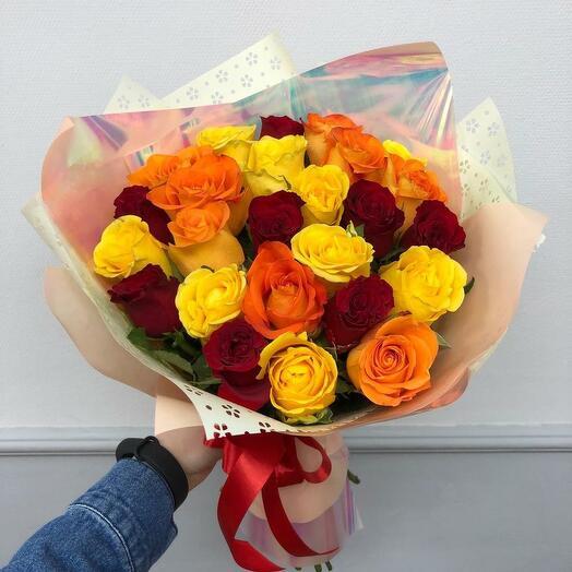 Букет из 25 роз 40 см разного цвета