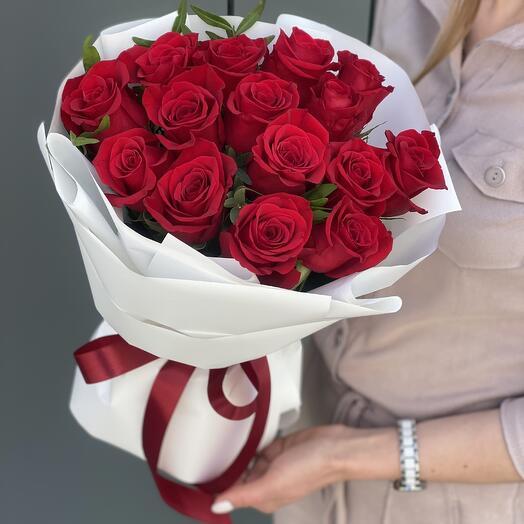Букет Париж из красных роз и эвкалипта