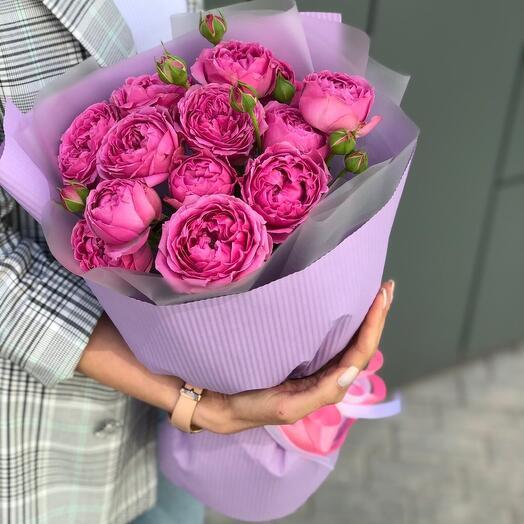 5 пионовидных кустовых роз