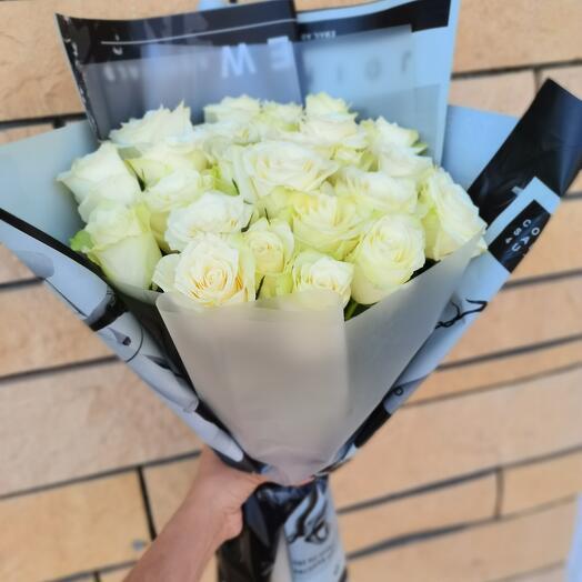 Белые розы Кения 25 шт