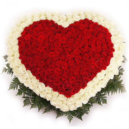 Букет цветов форме сердца, букет