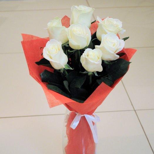 Милый букет из 7 белых роз: букеты цветов на заказ Flowwow