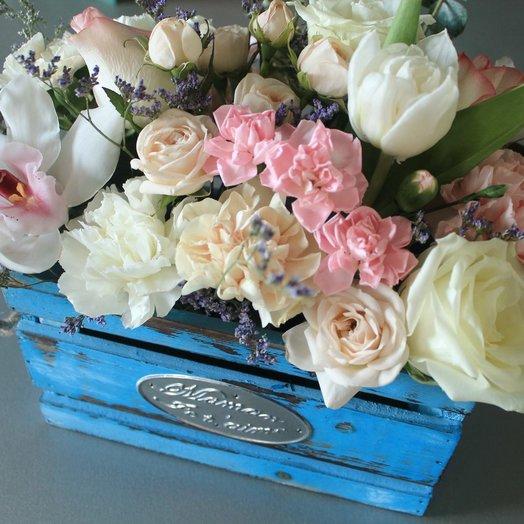 """Ящик с цветами """"Нежный поцелуй"""""""