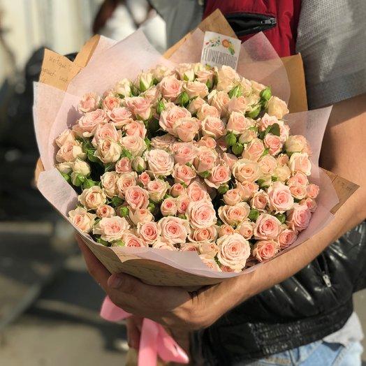 Кустовые розы. Монобукет.  29 кустовых роз. N170