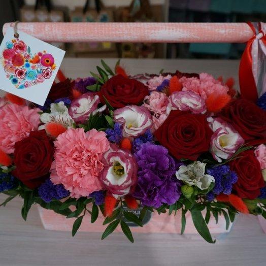 Композиция в ящике размер М: букеты цветов на заказ Flowwow
