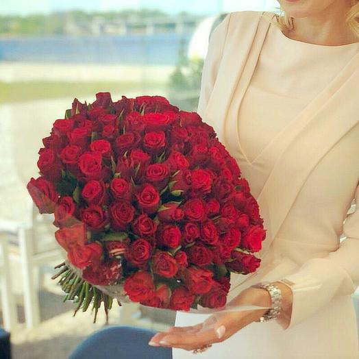 Букет из 101 красной кенийская роза: букеты цветов на заказ Flowwow