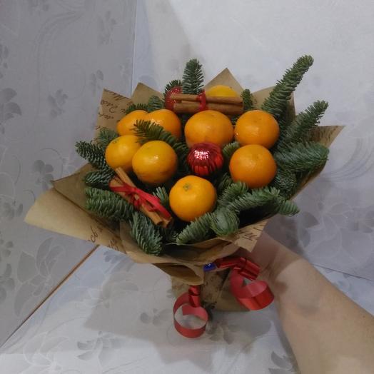 Новогодний букет мандаринка: букеты цветов на заказ Flowwow
