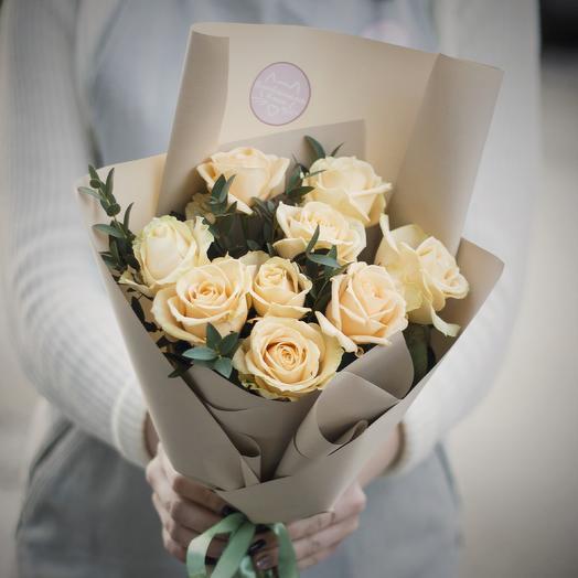 Букет-комплимент: персиковые розы: букеты цветов на заказ Flowwow