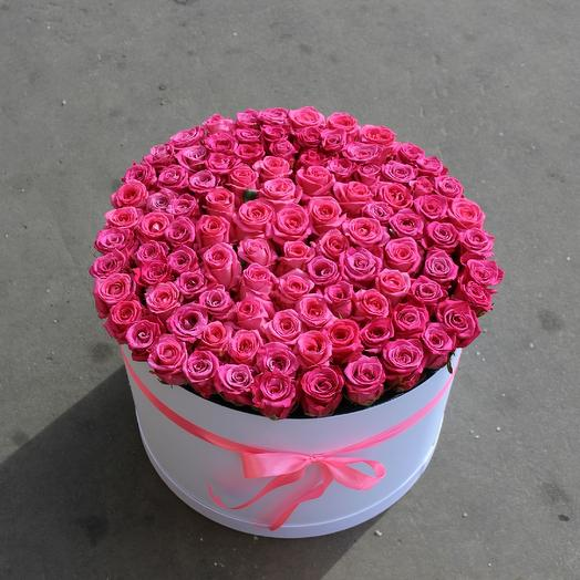 101 малиновая роза в коробке