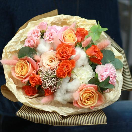 """Букет из роз и хлопка """"Прекрасный день"""""""