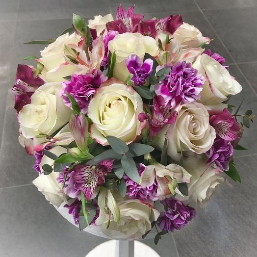 Круглая композиция на гостевой стол: букеты цветов на заказ Flowwow