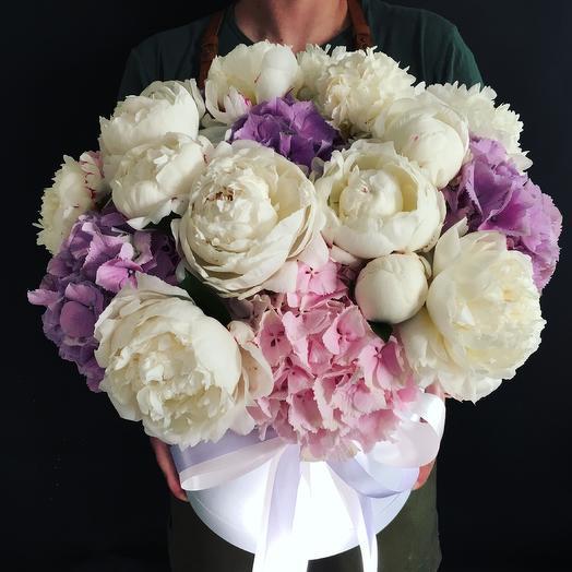 Коробочка с эффектом -WOW: букеты цветов на заказ Flowwow