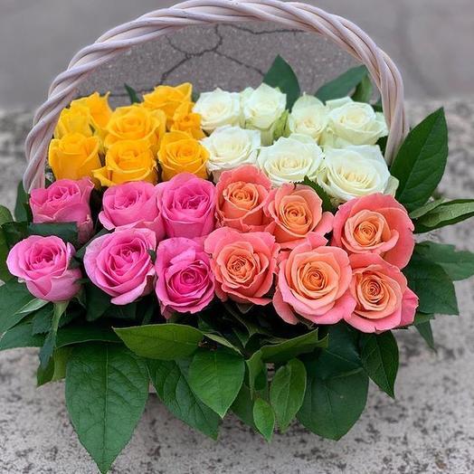Корзина из 27 роз