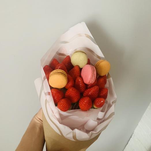 Букет из клубники и макаруни: букеты цветов на заказ Flowwow