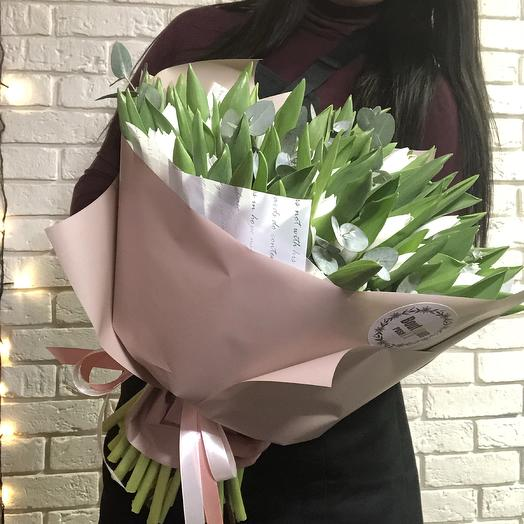 White tulips: букеты цветов на заказ Flowwow
