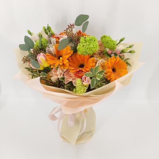Букет с герберами и вибурнумом: букеты цветов на заказ Flowwow