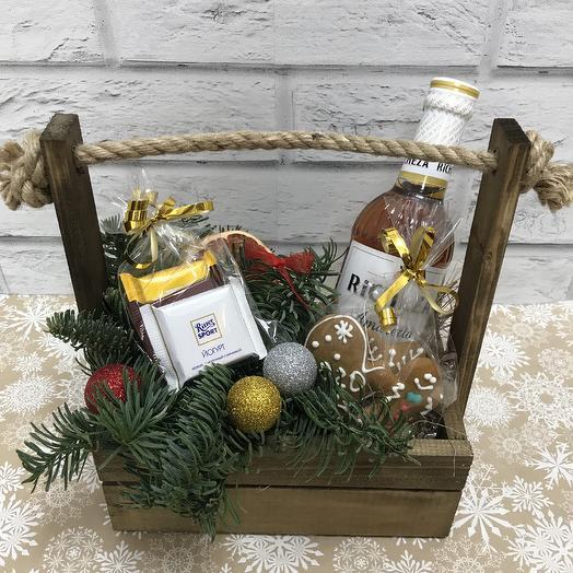 Новогодний подарок «ящик сладостей»: букеты цветов на заказ Flowwow