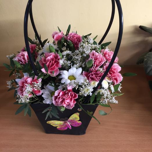 Гвоздичная история: букеты цветов на заказ Flowwow