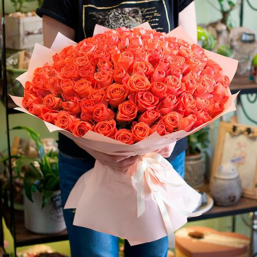 101 оранжевая роза (50 см): букеты цветов на заказ Flowwow