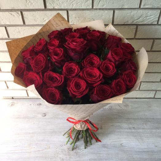 31 красная роза 🌹 в крафте