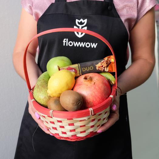 Корзинка с фруктами