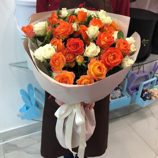11 кустовых роз: букеты цветов на заказ Flowwow