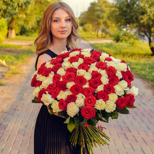 Bouquet of 101 red and white roses