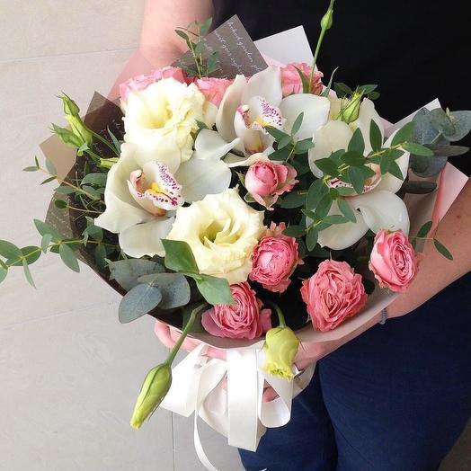 Букет из орхидей и розы