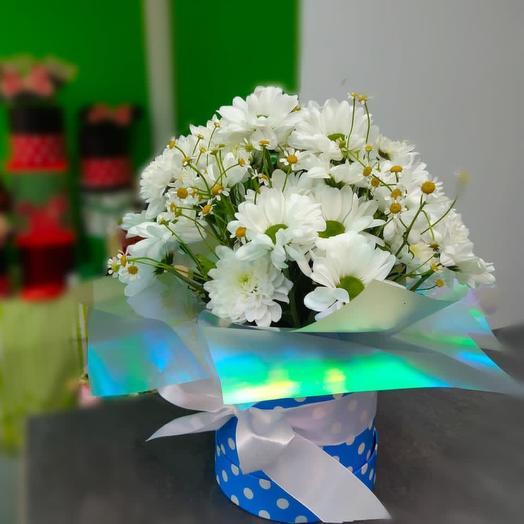 Цветы в коробке Ромашки