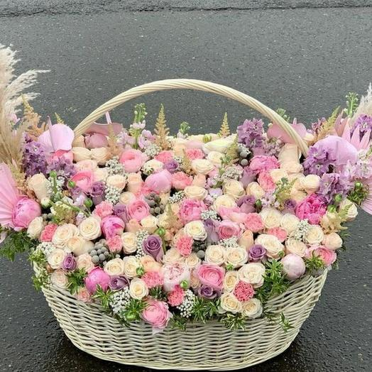 Корзина с VIP цветами