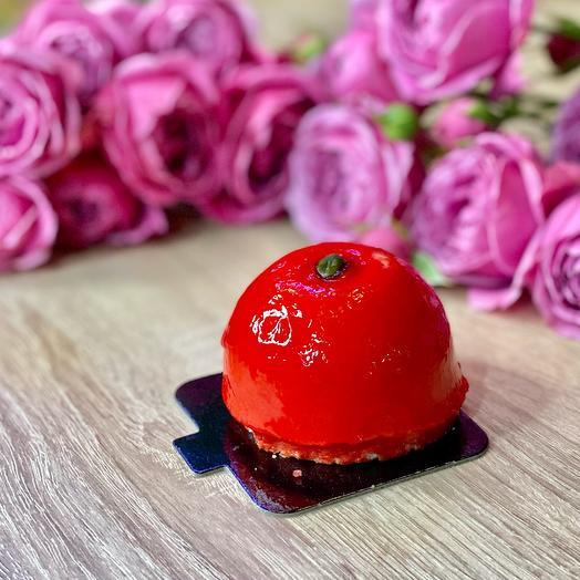 Пирожное «Малиновая бомба»