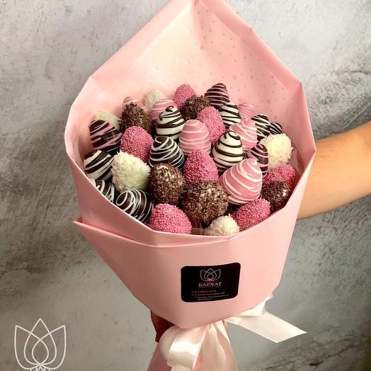 Strawberry classics in chocolate