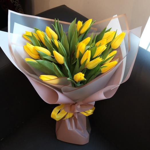 25 жёлтых тюльпанов 🌟