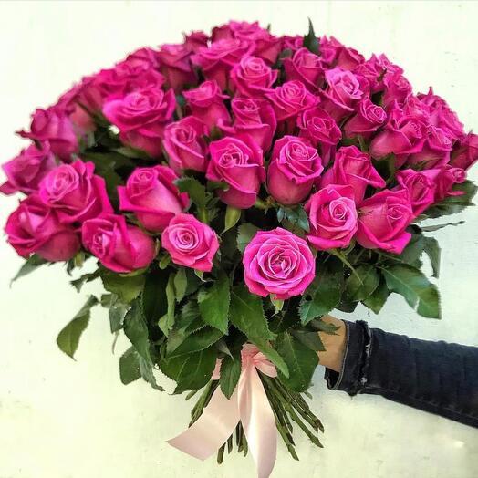Букет с малиновой розой
