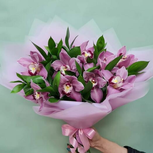 букет с орхидей