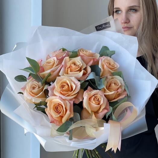 Голландские розы Шимер с эвкалиптом