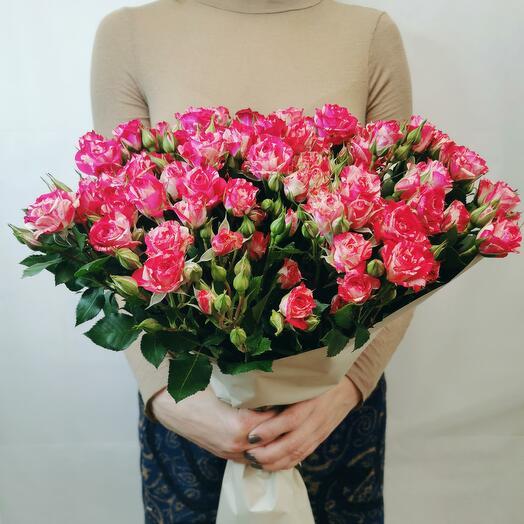 Букет Смузи 15 из красно-белых кустовых роз