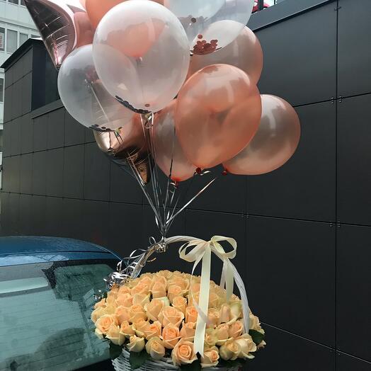 Корзина 101 Роза и связка шаров