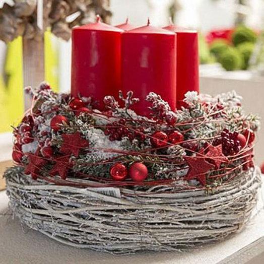 Рождественская композиция «Венок заснеженный»: букеты цветов на заказ Flowwow