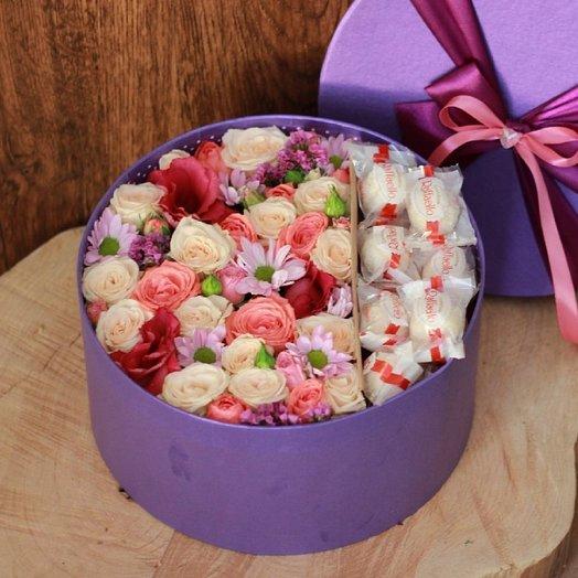 Коробочка Самой дорогой: букеты цветов на заказ Flowwow