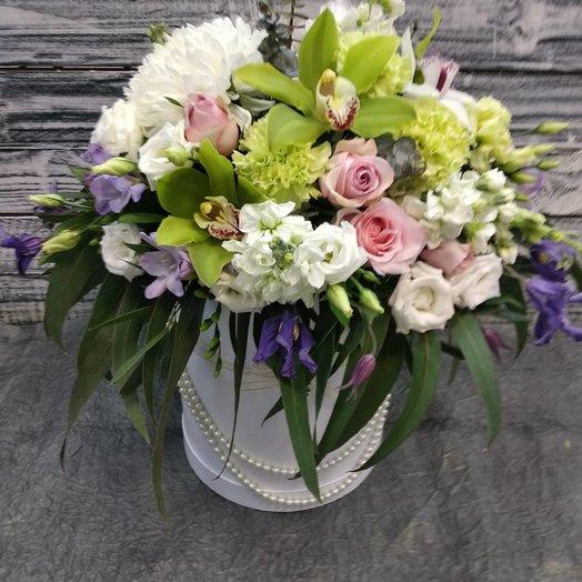 Королевская шляпная коробка: букеты цветов на заказ Flowwow