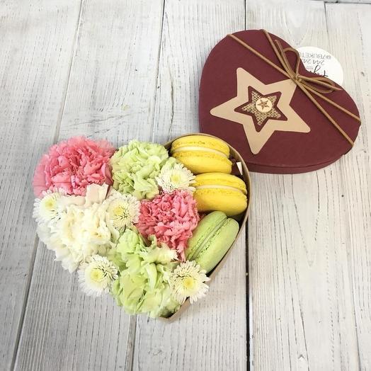 Коробка с макарунами 7: букеты цветов на заказ Flowwow