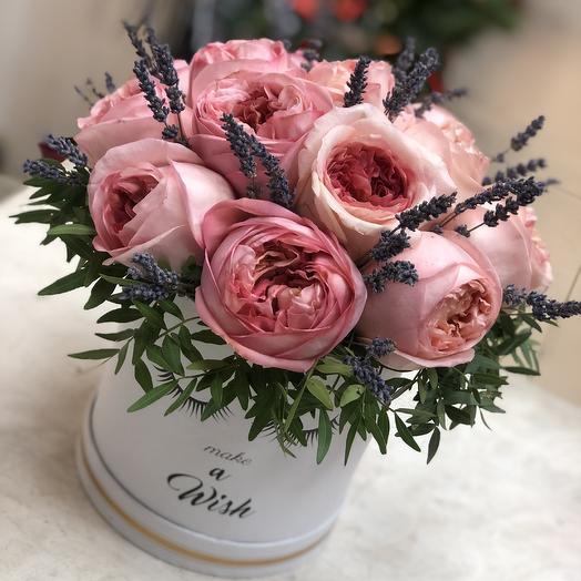 Облачко из пионовидных роз