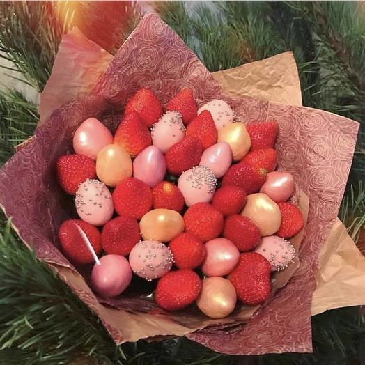 Клубничный букет «Краски»: букеты цветов на заказ Flowwow