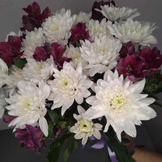 Микс хризантемы и альстромерий: букеты цветов на заказ Flowwow