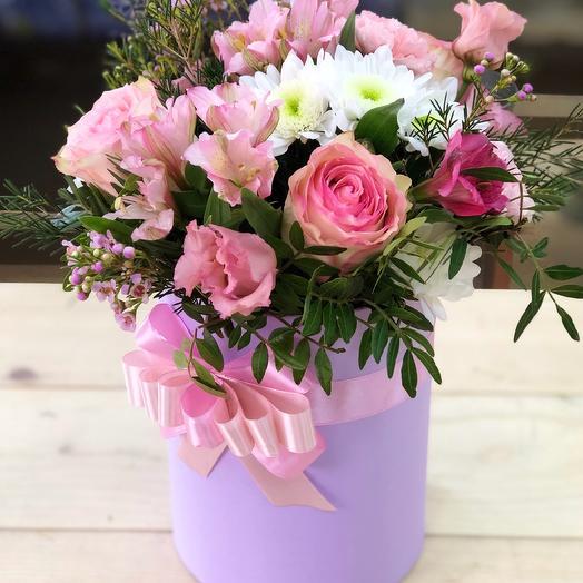 Сборный букет в шляпной коробочке: букеты цветов на заказ Flowwow
