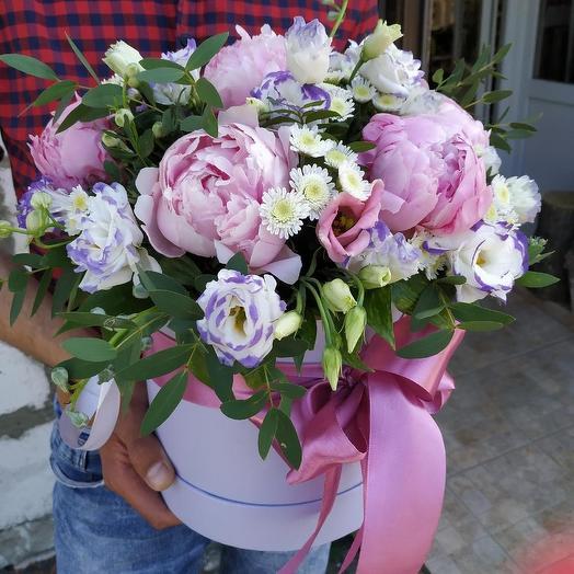 """Коробка с пионами """"Ласковый поцелуй"""": букеты цветов на заказ Flowwow"""